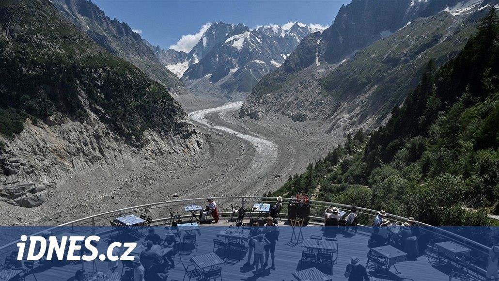 Podivná jezera, mizející ledovce. Nejvyšší hora Evropy mění tvář