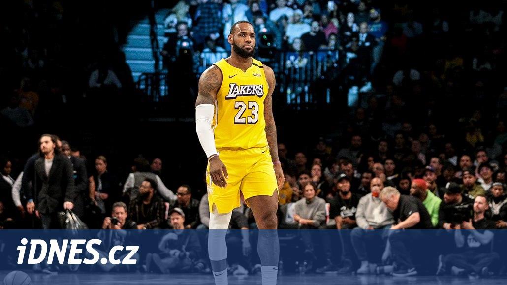 James oslavil nominaci do Utkání hvězd triple doublem a výhrou Lakers