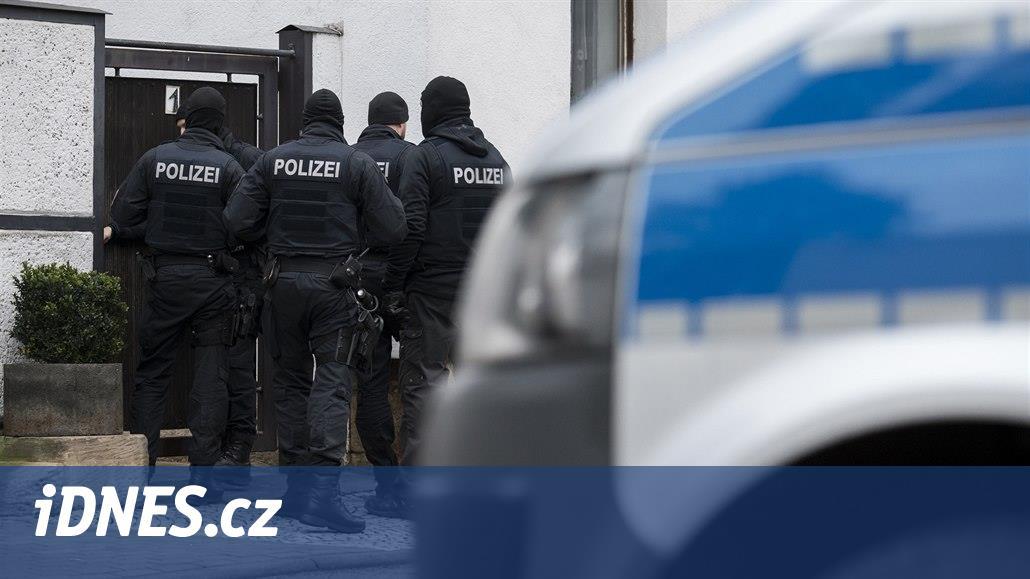 V Německu zakázali neonacistickou organizaci Combat 18, spustili razie