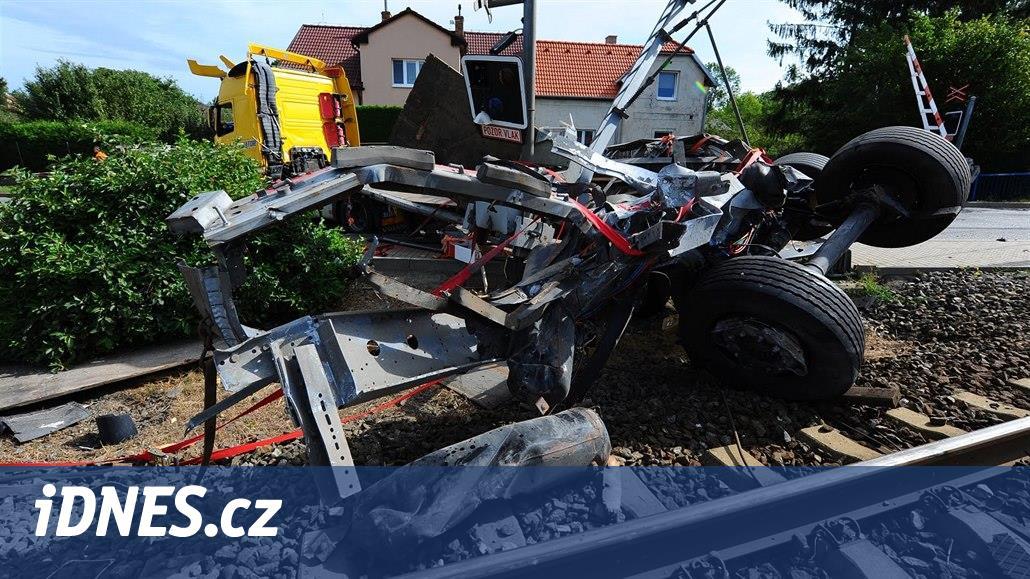 Za najetí kamionem před vlak v Uhříněvsi dostal řidič čtyři roky vězení