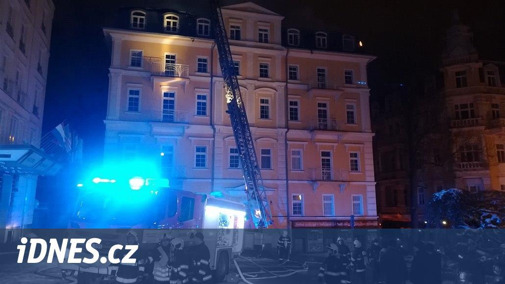 V Mariánských Lázních hoří hotel. Evakuováno bylo devět lidí