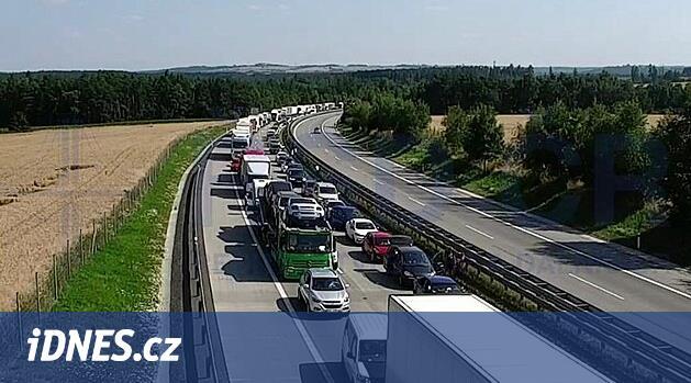 Nehody brzdí provoz D1 u Brna, tvoří se kolony