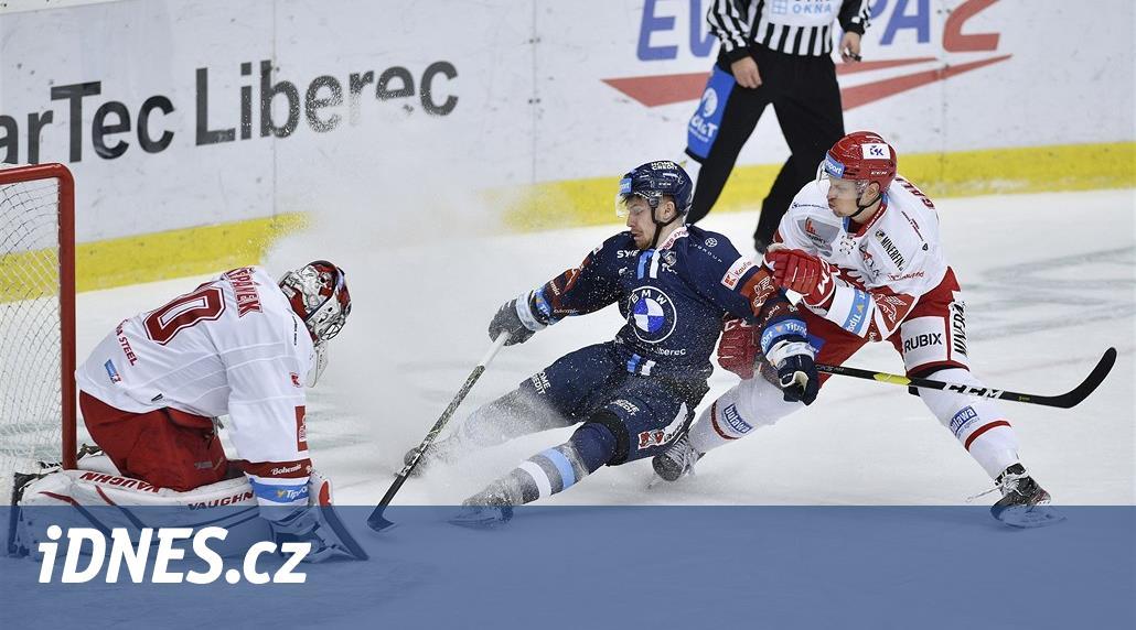ONLINE: Začíná finále hokejového play off, Třinec hostí Liberec