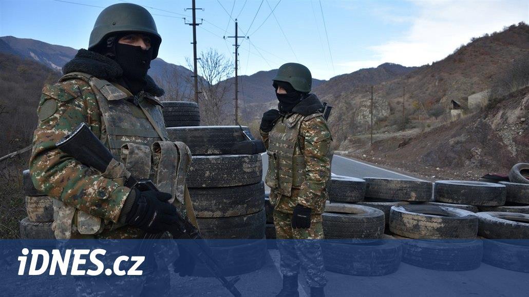 Řezání uší, mrzačení i mučení zajatců. Ázerbájdžán řeší zvěrstva v Karabachu