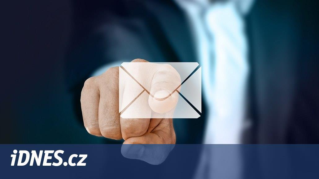 Stáhněte si zdarma: e-mailový oznamovač s otevíráním poštovní schránky