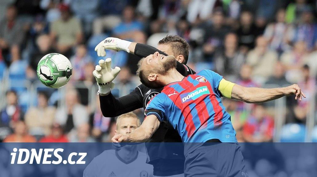 Plzeň i potřetí vyhrála, uspěla také Slavia. Slovácko dalo pět gólů
