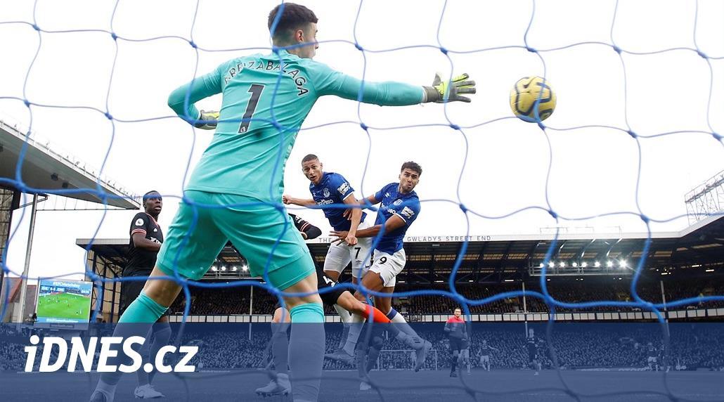 ONLINE: Everton přemohl Chelsea, v akci je Tottenham i Liverpool