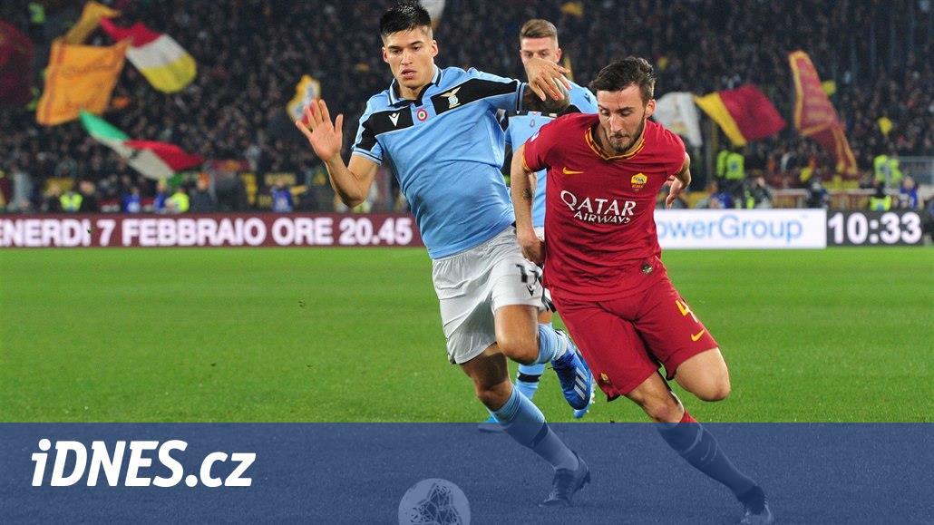 Římské derby nepoznalo vítěze, Juventus prohrál v Neapoli