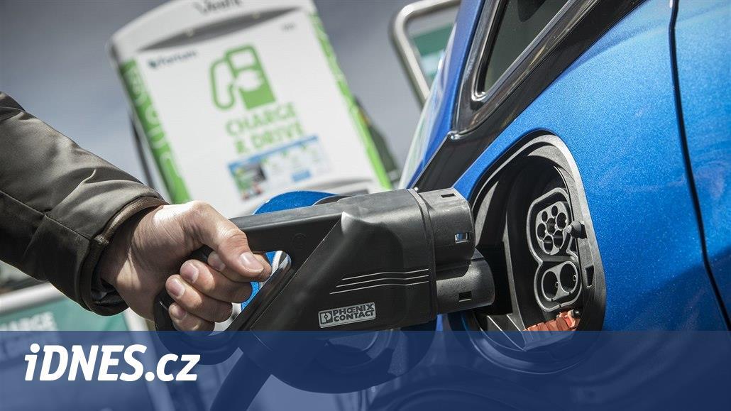 Nevěří Bosch elektromobilům? Zrušil investici do výroby baterií