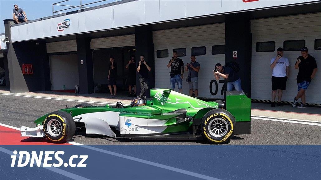 Formule 1 ze zlaté éry dorážela na rekord mosteckého okruhu