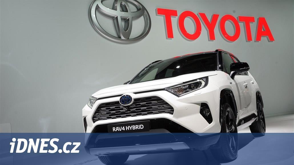 Toyota RAV4 přijíždí do Evropy vnovém, zatím jen jako hybrid