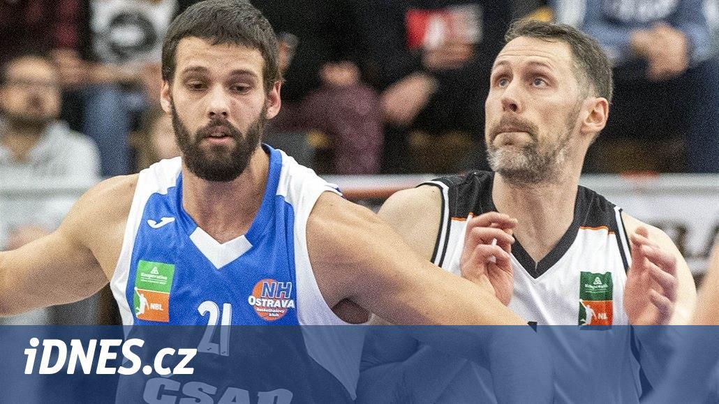 Skvělá druhá půle a hradečtí basketbalisté popáté slaví