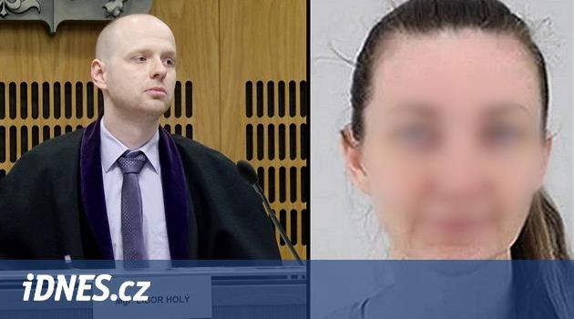 Matka unesené dívky z Uhříněvsi odmítla opustit celu, soud tak nezačal