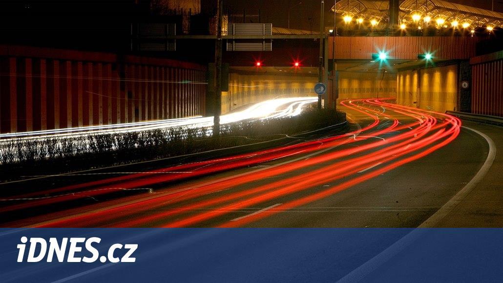 Autobusovému nádraží hrozí zánik, nad tunel nebudou smět vjet autobusy
