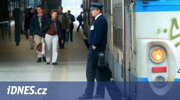 Zrychlíme vlaky, zavedeme společnou jízdenku, slibují strany