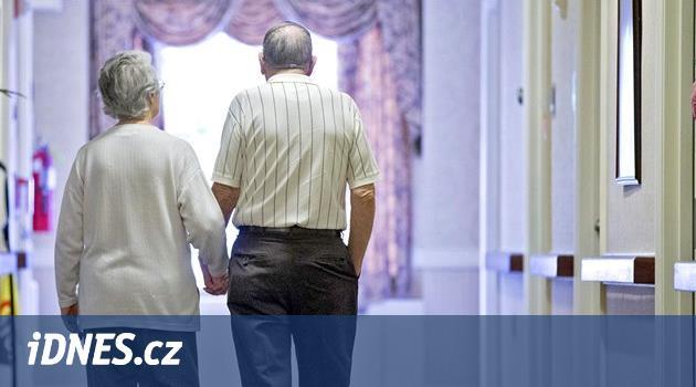 PŘEHLEDNĚ: Kolik stát vyplatí na důchodech a kde žije nejvíc penzistů