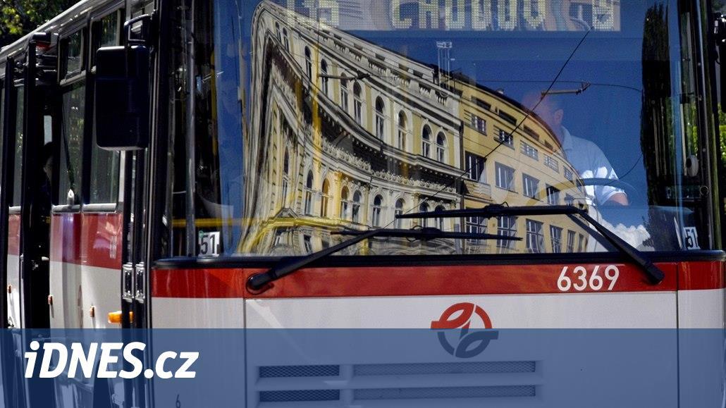 Řidič autobusu jako akční hrdina, dopravní podniky lákají nové zaměstnance