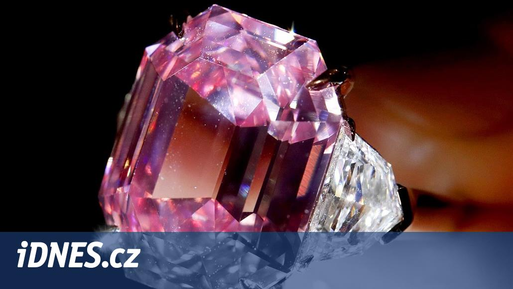 Diamant Pink Legacy se vydražil za rekordních 1 9777261fa3d