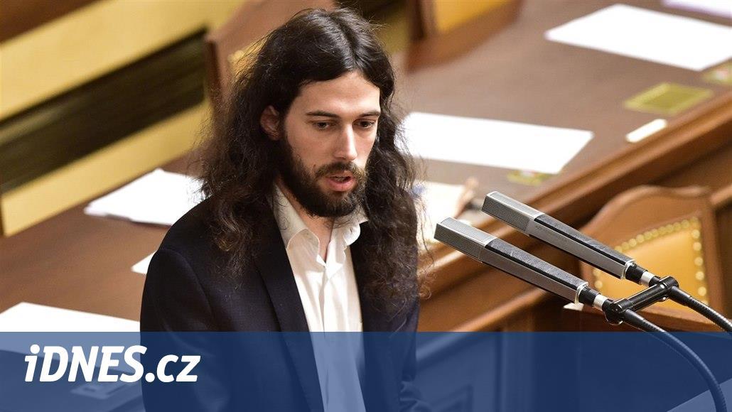 Je neskutečný podrazák, zaútočil Pirát Ferjenčík na šéfa TOP 09 Pospíšila