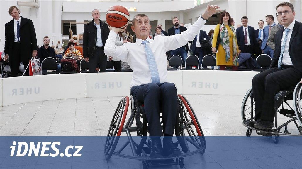 Babiš s Kremlíkem míří na konferenci o jednodušším cestování pro postižené