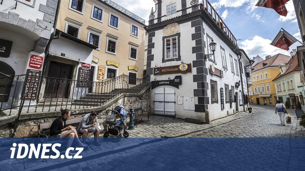 Zámek Hluboká poráží v návštěvnosti ten v Českém Krumlově