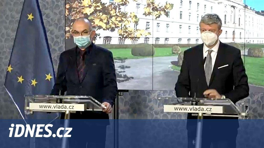 Vláda posvětila nouzový stav do 12. prosince, Havlíček chce prodej i v neděli