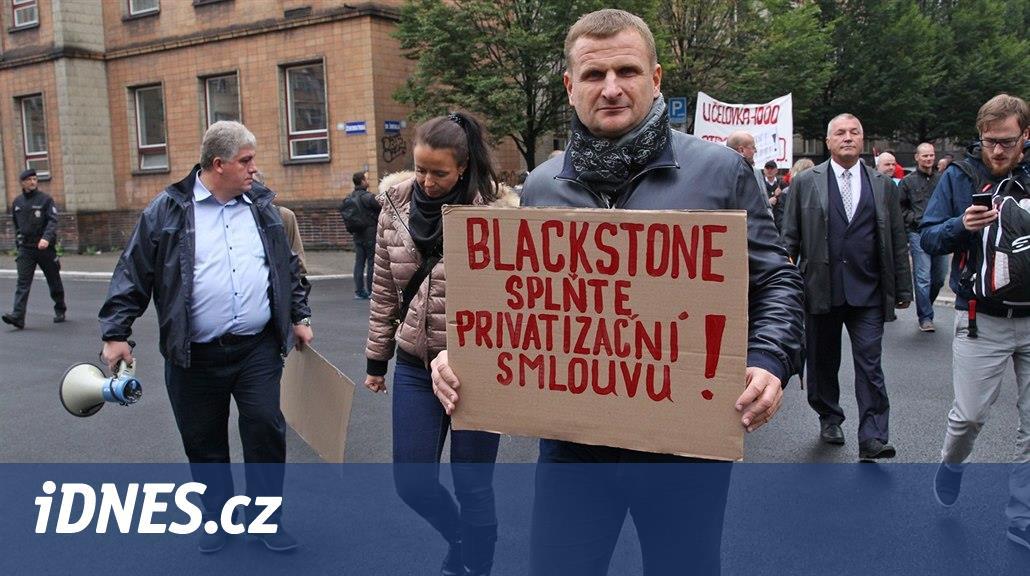 Ostravský protest proti Bakalovi se moc nepovedl, přišlo asi dvacet lidí