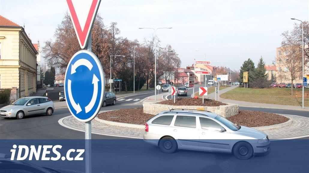 Plán na první kruhový objezd v Přibyslavi narazil, neplní parametry ŘSD