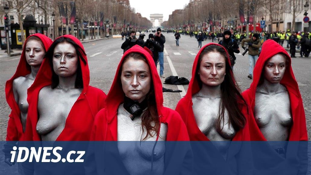 Francouzi znovu vyšli do ulic, ke žlutým vestám se přidala i Marianne