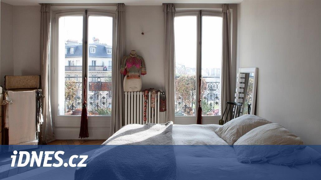 Francouzka pronajala byt přes Airbnb, svou terasu pak našla v pornofilmu