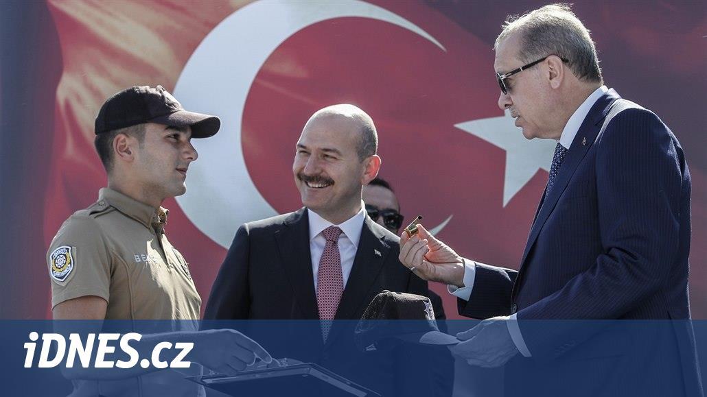 Noční hlídači s velkou mocí. Erdogan buduje lidové milice, obává se opozice