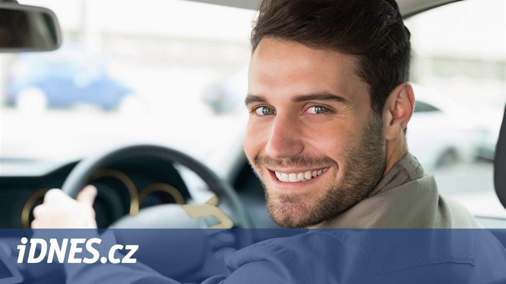 Zdražujeme, ale jen rizikovým řidičům, hlásí pojišťovny