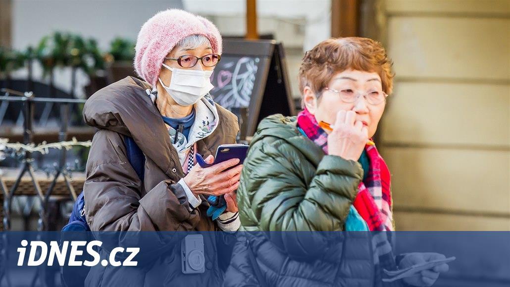 Turisté z Číny ruší pobyty v Českém Krumlově. Opatření chystají i na zámku