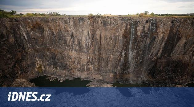 Z Viktoriiných vodopádů se stal potůček. Afričany děsí úbytek turistů
