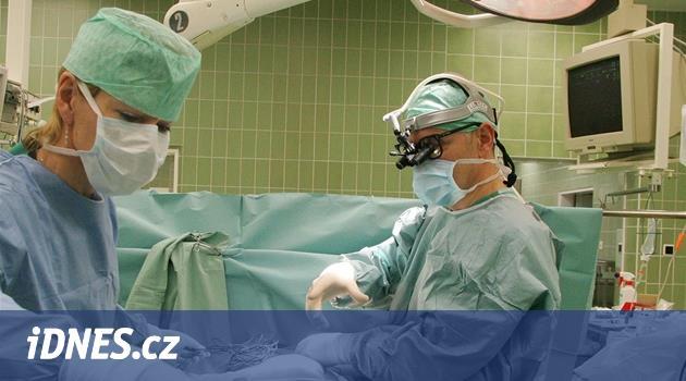 Medici odmítají praxi v malých nemocnicích, chtějí na nejlepší pracoviště