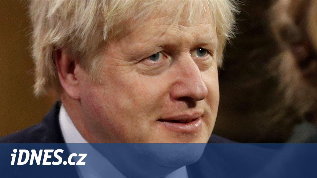 Borise Johnsona odvezli do nemocnice. Nemoc covid-19 u něho neustupuje