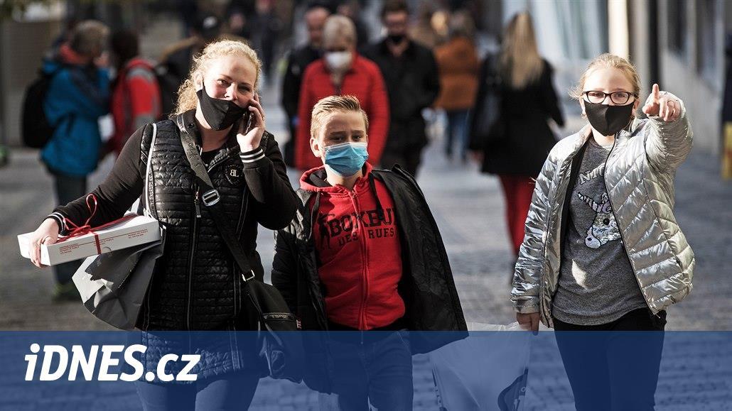 V úterý Česko evidovalo zatím nejvyšší nárůst, přibylo 11 984 nakažených