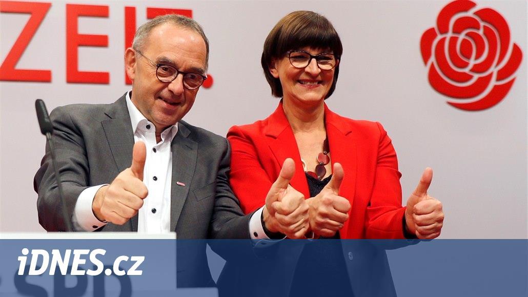 Německé socialisty vedou kritici vlády s Merkelovou, zatím ji ale nepotopí