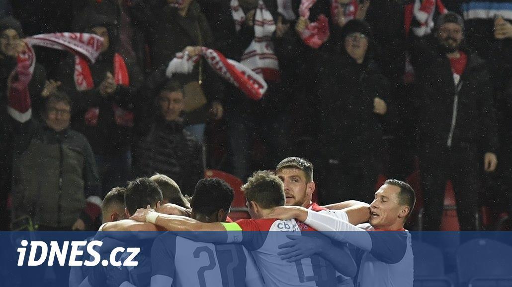 ONLINE: Slavia proti Opavě se třemi změnami, Bohemians hrají v Liberci