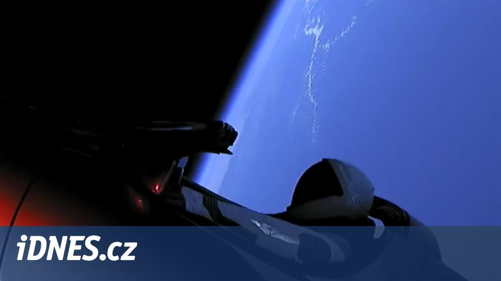 Ve SpaceX zřejmě udělali malou chybu, auto skutečně doletí k Marsu