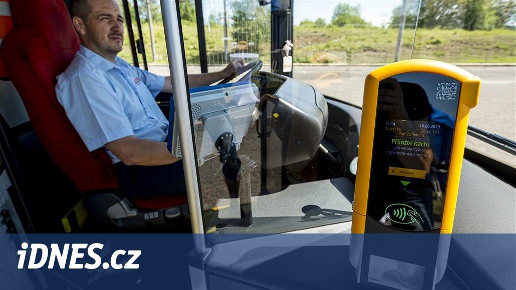 V ústecké MHD cestující nově zaplatí i kartou či mobilem a navíc ušetří