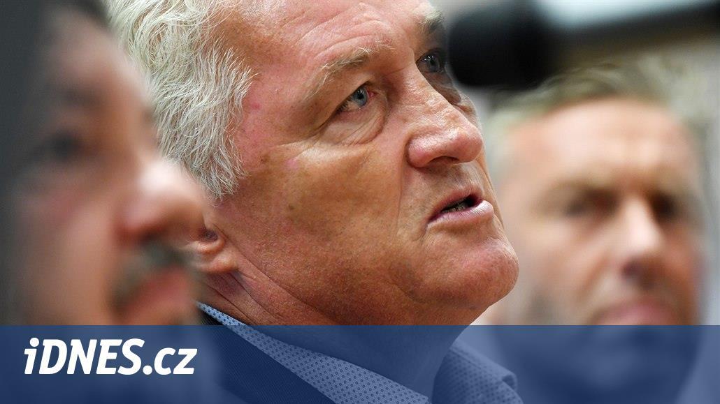 Nový kouč Miloš Říha naopak nově pozval gólmana Romana Willa