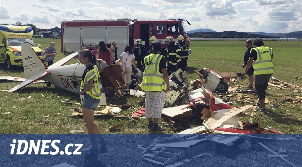 Na Prachaticku se zřítil historický letoun, pilot bojuje o život
