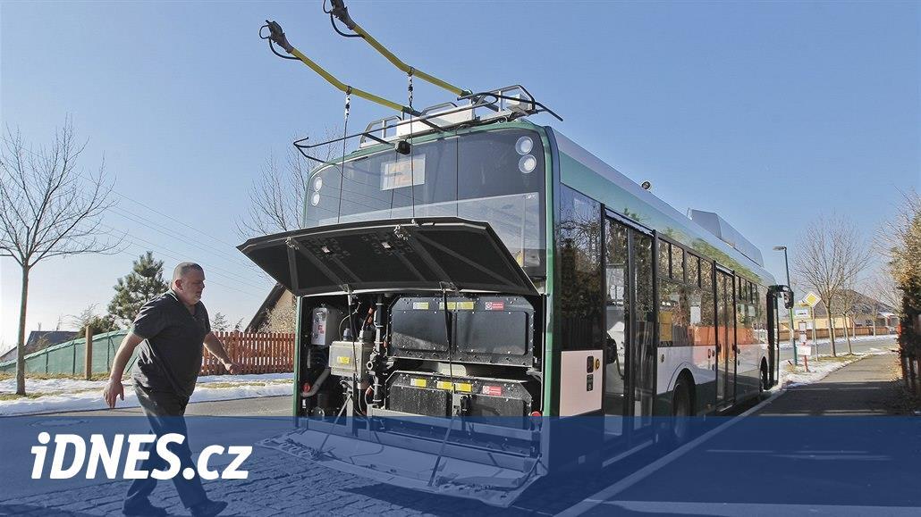 Trolejbusů na baterie bude jezdit víc. Jsou tiché a nepřehřívají se
