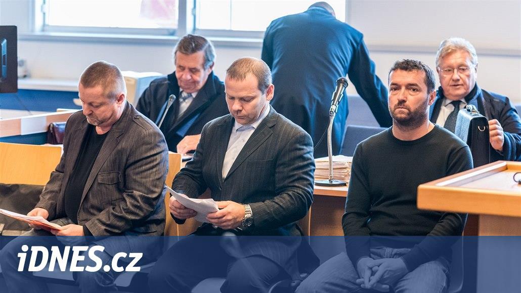 Soud zvedl tresty odběratelům a distributorům Březinova nelegálního lihu