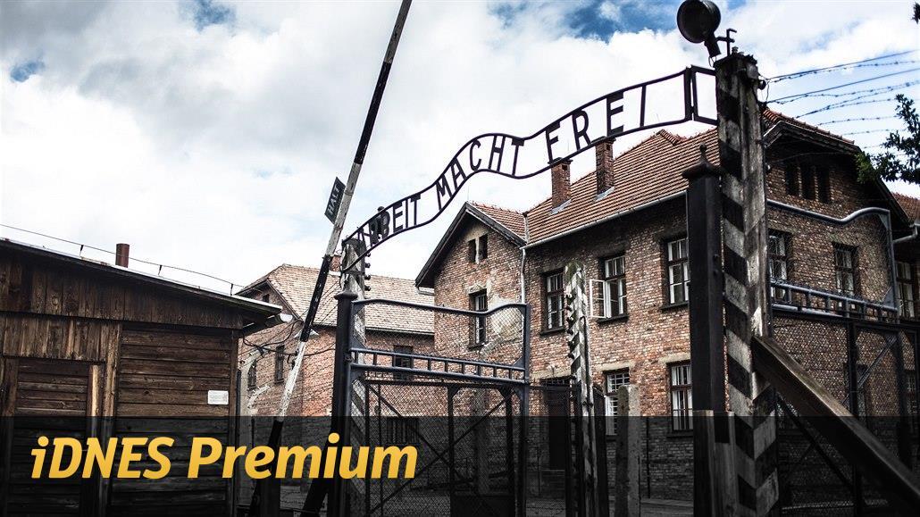 KOMENTÁŘ: Černobílý výklad dějin přináší nedůstojné hádky nad hroby