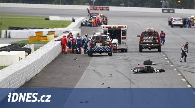 Wickens havaroval hned v úvodu závodu při předjížděcím manévru. Jeho
