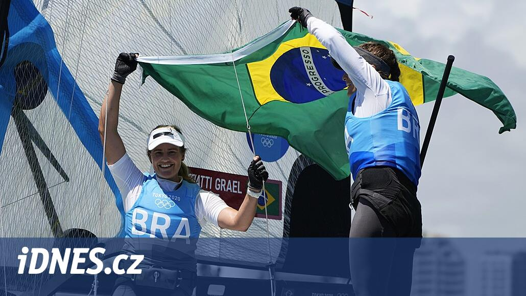 Jachtařskou třídu 49er FX ovládly na tokijské olympiádě Brazilky
