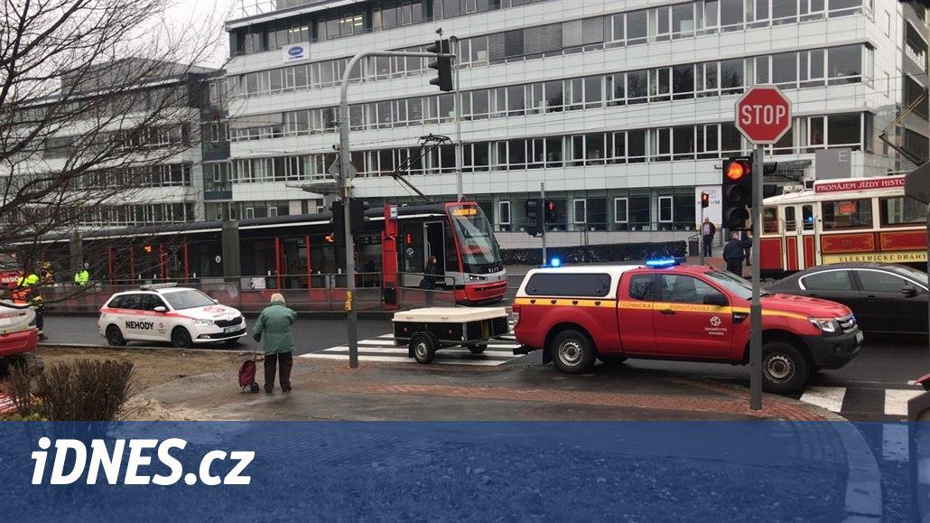 Na Evropské v Praze 6 vykolejila tramvaj, opět kvůli uvolněné obruči