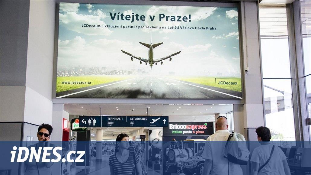 JCDecaux je v prodlení s placením Letišti Praha, řekla Schillerová